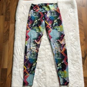 Onzie floral abstract pattern leggings size m/l